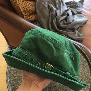Cute Gap bucket hat